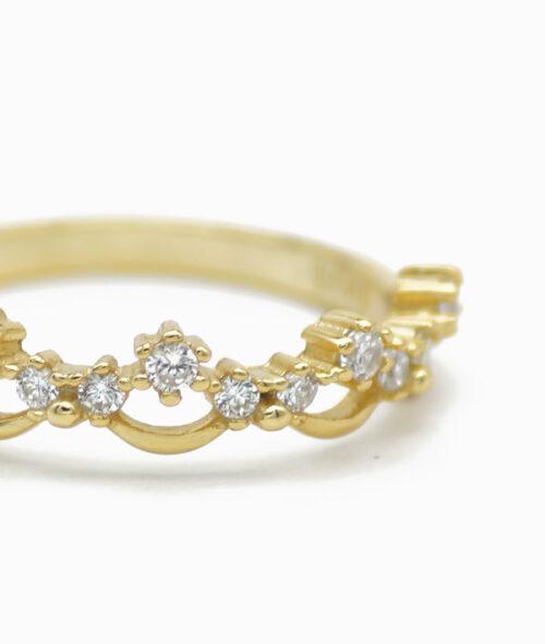 ViLou Ring in Gold Unendlichkeit Nahaufnahme